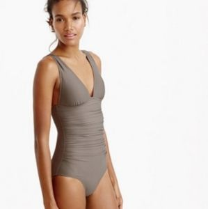 NWT J. Crew Ruched Femme One-Piece Swimsuit SZ 00
